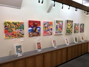 楽描き職人、北澤里奈、子どもの世界、暮らしを彩る、暮らしを楽しむ、絵のある暮らし、絵のある生活、楽描き、日常、日常の風景、植物のある暮らし、絵を飾る、無邪気、笑顔になれる、子どもの頃、POWER SEED、子どもが見る世界、大阪現代クラフトギャラリー、個展